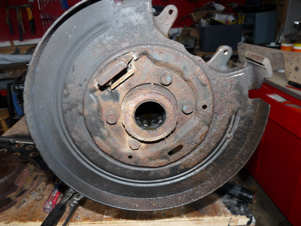 how to tell if rear axle seal is leaking